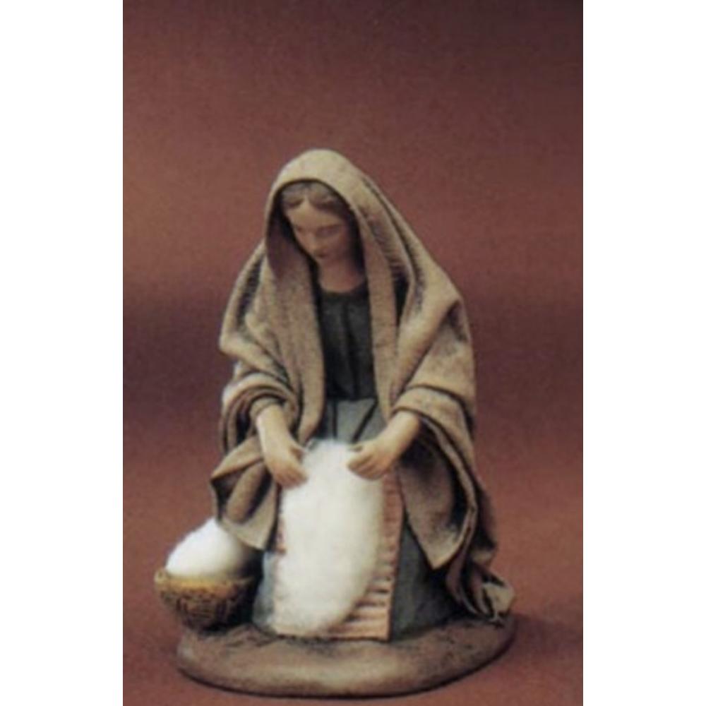 20650-Woman-Kneeling-with-Wool